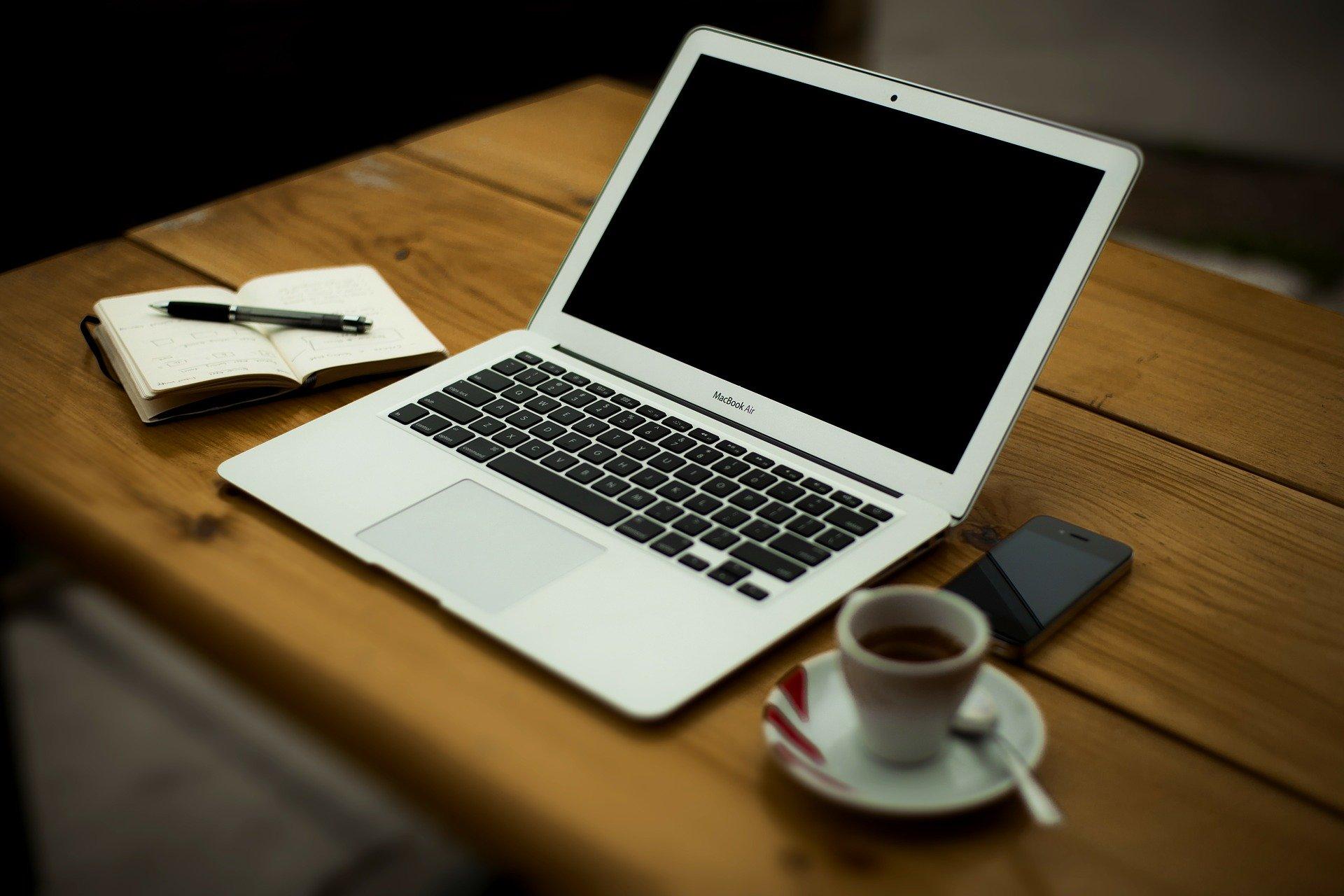 teaching-traditional-music-online-iTeachTrad--Liz- Doherty-laptop